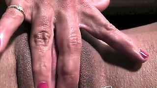 A Female Muscle Cougars Big Clit