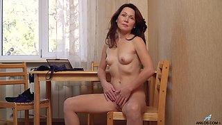 Pleasant mature woman Ptica is jilling off her pussy