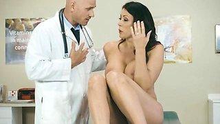 Sexy Patient Reagan Foxx Gets Pleasured By Doctor