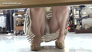peeping chinese amateur upskirt.46