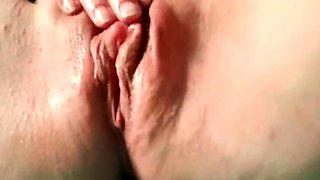 Horny amateur lady drills her squirting pussy with a dildo
