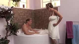 Wet Finnish big tits fucking her husband in the bathtub