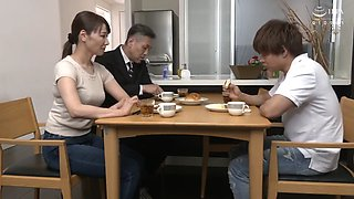 Mother And Son Ayano Kato Who Goes Out And Has Sex In 2 Seconds