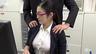 Ryu Enami I Do Not Remove Glasses Even If I Take Off My Pants The Woman Who Can Do The Work Is Strongly Appetite