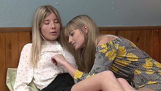 Long haired blonde lesbian teen couple Scarlett Sage and Vienna Rose