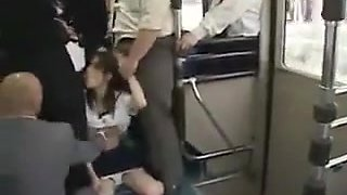 Studentessa giapponese abusata sul bus